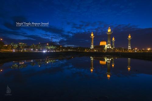 sunrise bluehour singleexposure bukitjelutong sifoocom nurismailphotography nurismailmohammed nurismail masjidtengkuampuanjemaah masjidbukitjelutong