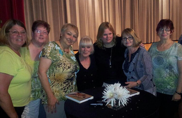 Corizon Missouri site meets Linda Evans at Healthy Women banquet
