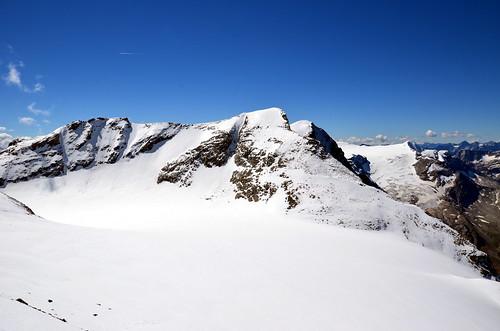 blick richtung westen über den gletscher