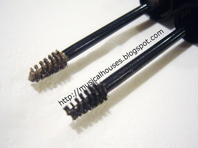 Benefit Gimmie Brow Brush