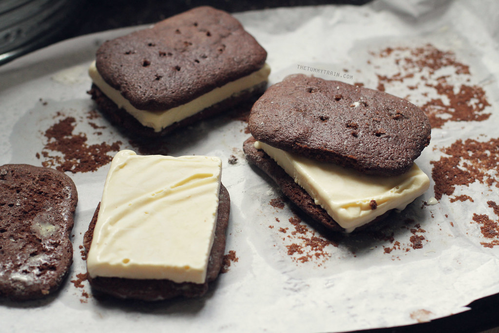 10330449144 491bcceed5 b - Rekindling my romance with ice cream sandwiches