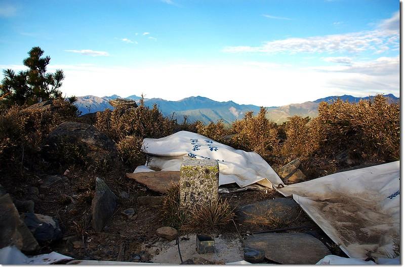 馬西山二等三角點(# 1680 Elev. 3443 m) 1