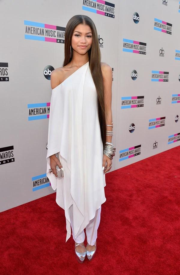 zendaya-coleman-american-music-awards-2013