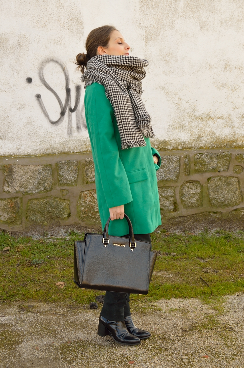 lara-vazquez-madlula-blog-green-coat-winter