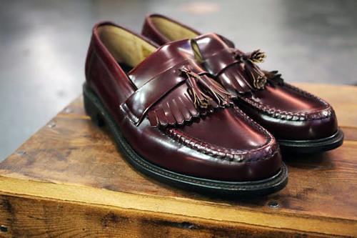 以前から目をつけていた靴がLoakeという老舗ブランドのローファーでした。 今日はロンドンは(名前がやたら可愛い)Princess Arcadeにある、Loakeの店舗に行って試履を