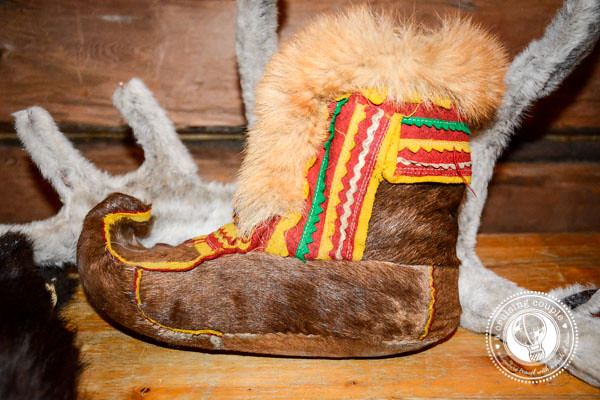 The Culture of Sami Reindeer Herding   Finnish Lapland Shoes Made with Reindeer Skin
