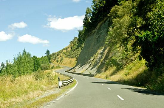 Driving Hwy 43 - twists & rocks 21 1 15 K54781 - 550