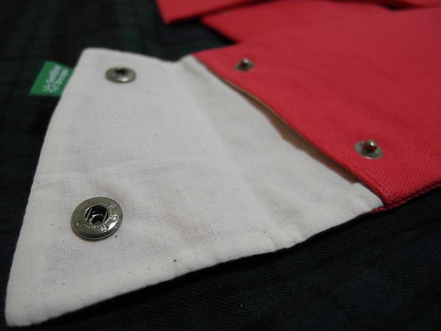 開口處的設計採用銅釦@換日線「線。作」紅包袋與書袋子