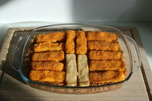 34 - Fischstäbchen oben auflegen / Put fish sticks on top