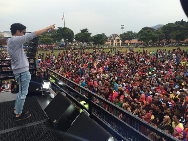 Eravaganza Jajahanbola Satukan Selebriti Popular