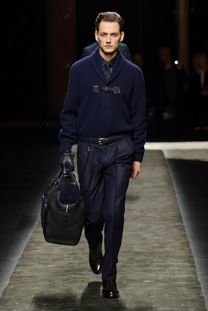 Jakob Hybholt4173_FW15 Milan Brioni(fashionising.com)
