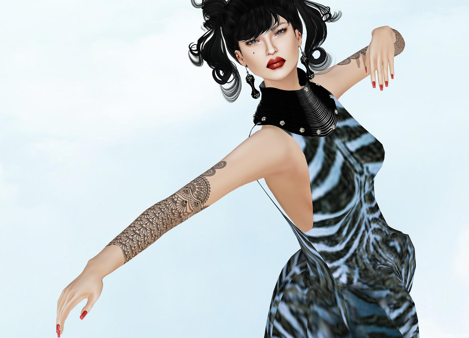 JUMO - Flera Gown