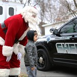 June 8, 2016 - 05:46 - Every year the Sheriff's Office C.O.B.A (Corrections Officer Benevolent Assoc.) handle the delivery of Christmas gift for children from the Brittany Miller Foundation (pediatric cancer). In this picture Santa is showing this young man the Sheriff's Office new squad car.