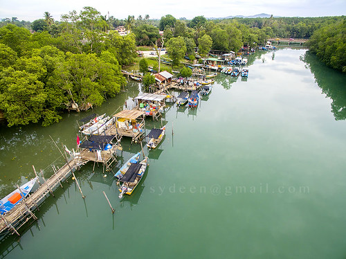 park street travel sky urban tree green bird eye tourism nature water river landscape boat town waterfront view place top jetty traditional aerial hight