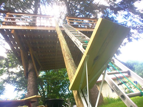 How To Build A Custom Treehouse Spiral Staircase Without Spending A  Fortune. The First Step.