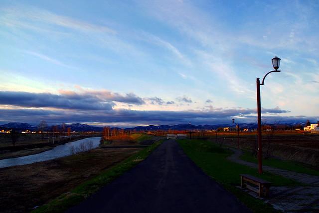 残照 メロディー橋の夕景