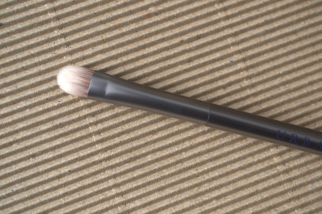 Urban Decay Good Karma Shadow brush