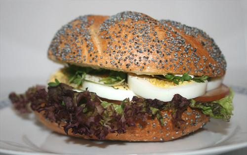 Ei-Brötchen I / Egg bun I