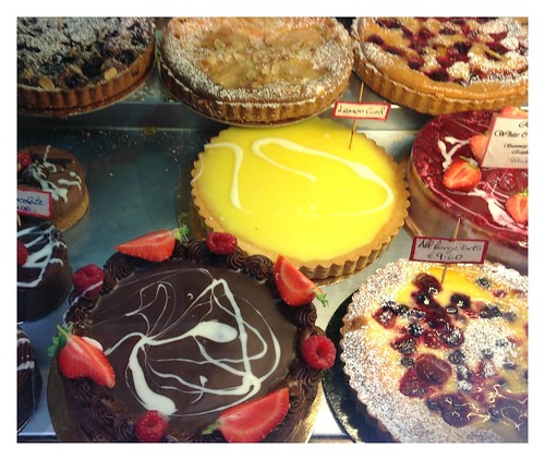 Handmade cakes by Ginas Pics