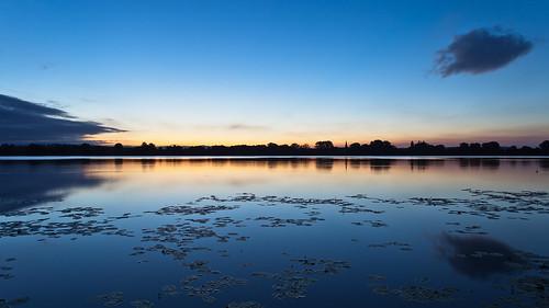 sky sun lake color water sunrise germany deutschland rays sonnenaufgang sonnenstrahlen farben niedersachsen seerosen ef1740mmf4lusm seeburg seeburgersee canoneos5dmarkii lakeseeburg