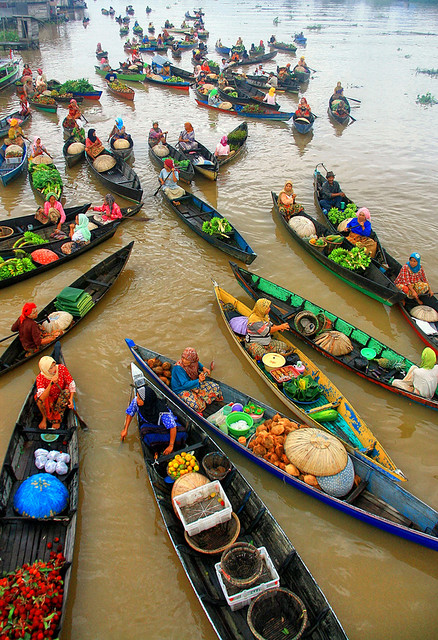 Floating Market Lok Baintan