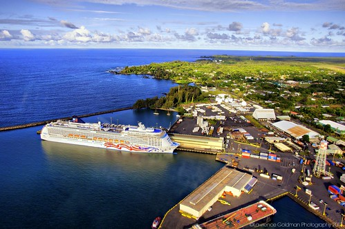 hawaii hawaiianislands bigisland island vacation aerial hilo portofhilo port ship oceanliner cruiseship 1000views
