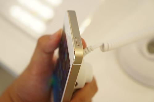 Apple iPhone 5s シャンパンゴールド エッジ