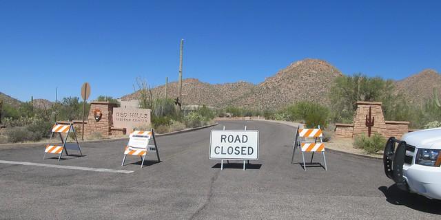 Saguaro National Park Closed (cc) Raquel Baranow @ Flickr.com