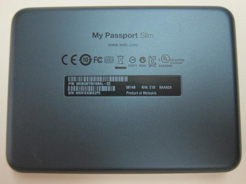 Western Digital My Passport Slim (1TB) - Bottom View