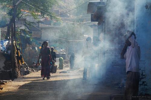 india mp personnes madhyapradesh omkareshwar fuméeboucane