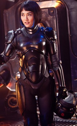 Mako Mori from Pacific Rim suited up.