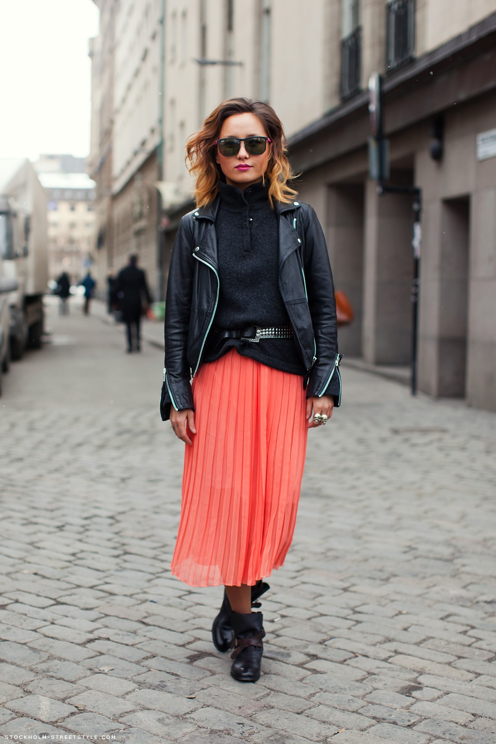 How to wear a Pleated Skirt | Dress Me Blog Me