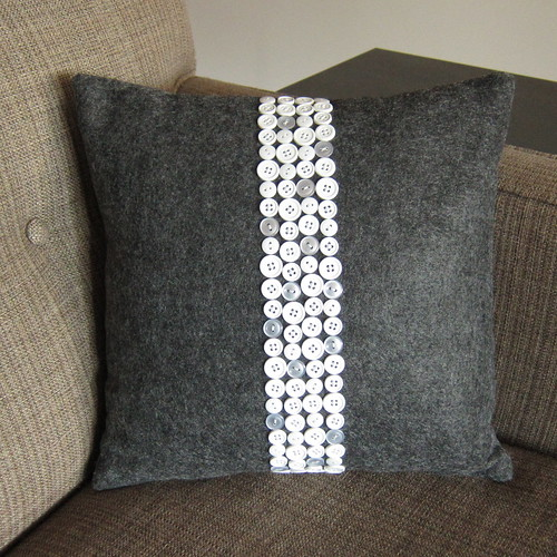 Iron Craft '13 Challenge 23 - Button Pillow