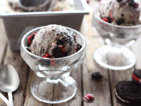 Peppermint Cookies and Cream Ice Cream