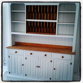 After 8 coats the kitchen dresser is all done, im sooooo looking forward to doing all of the kitchen cupboards!