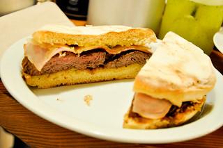 http://hojeconhecemos.blogspot.com/2013/12/eat-prego-da-peixaria-lisboa-portugal.html