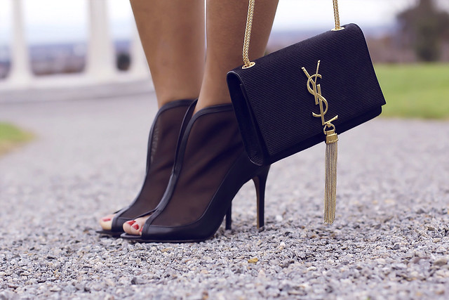 SAINT LAURENT_YSL_Cassandre_Tassle-Bag_GOLD_GASMY SACHA_SHOES_MODEJUNKIE