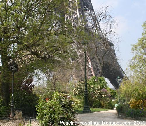 Eiffelturm Fruehjahr