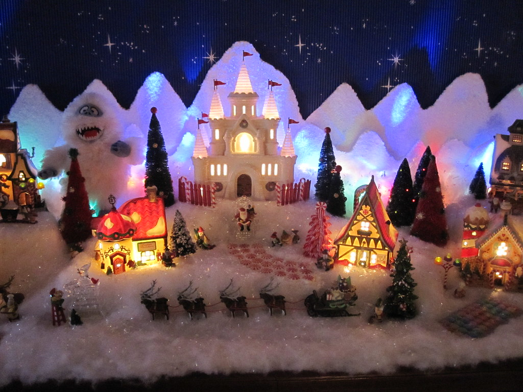 Halloween/Christmas Village Collector\'s most interesting Flickr ...