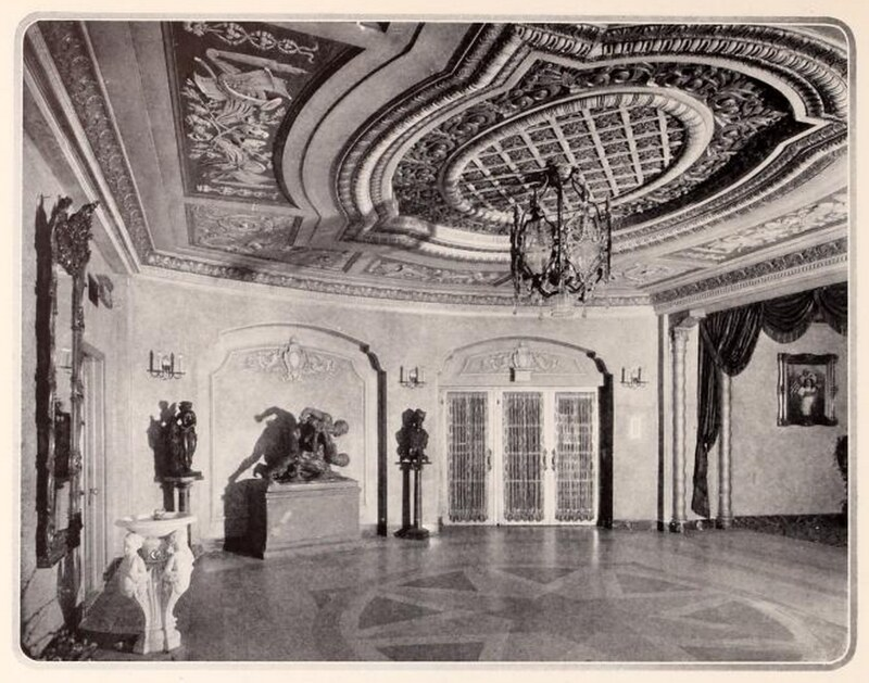 Piccadilly Theatre, Chicago IL in 1927 - Rotunda at end of Orchestra Foyer