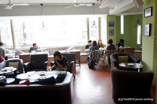 13925045100 3e6e35ef36 o - 【台中西區】白水尼克-最有名的早餐似乎不錯,但其他真的還好而已(已歇業)