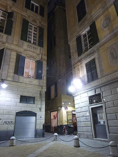 nuit devant le palais spinola
