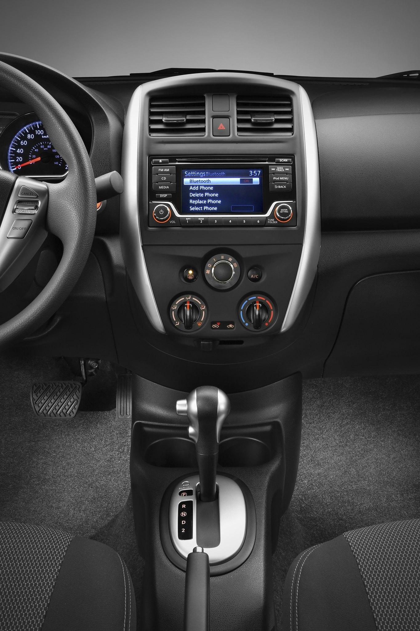 CarsDrive Córdoba Lanzamiento: Nissan Versa 2015 ...
