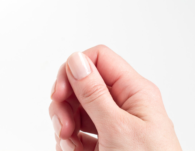 DIY Heart Manicure | www.vitaminihandmade.com