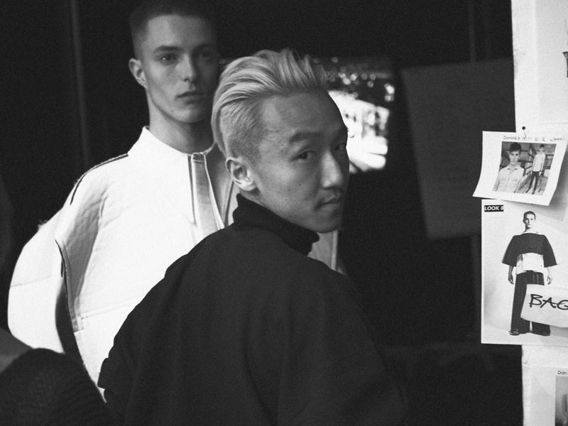 Mikkoputtonen_fashionblogger_london_H&M_design_award_2015_winner_ximon_lee_backstage_show1_web