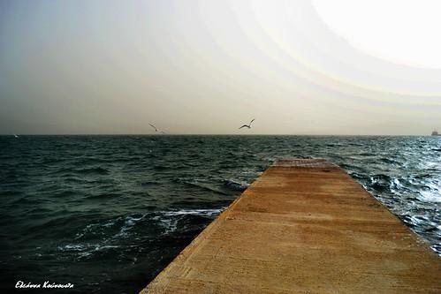 sea weather port waves gulls platform quay greece eleusis ελλάδα κύματα θάλασσα λιμάνι γλάροι αποβάθρα ελευσίνα καιρόσ