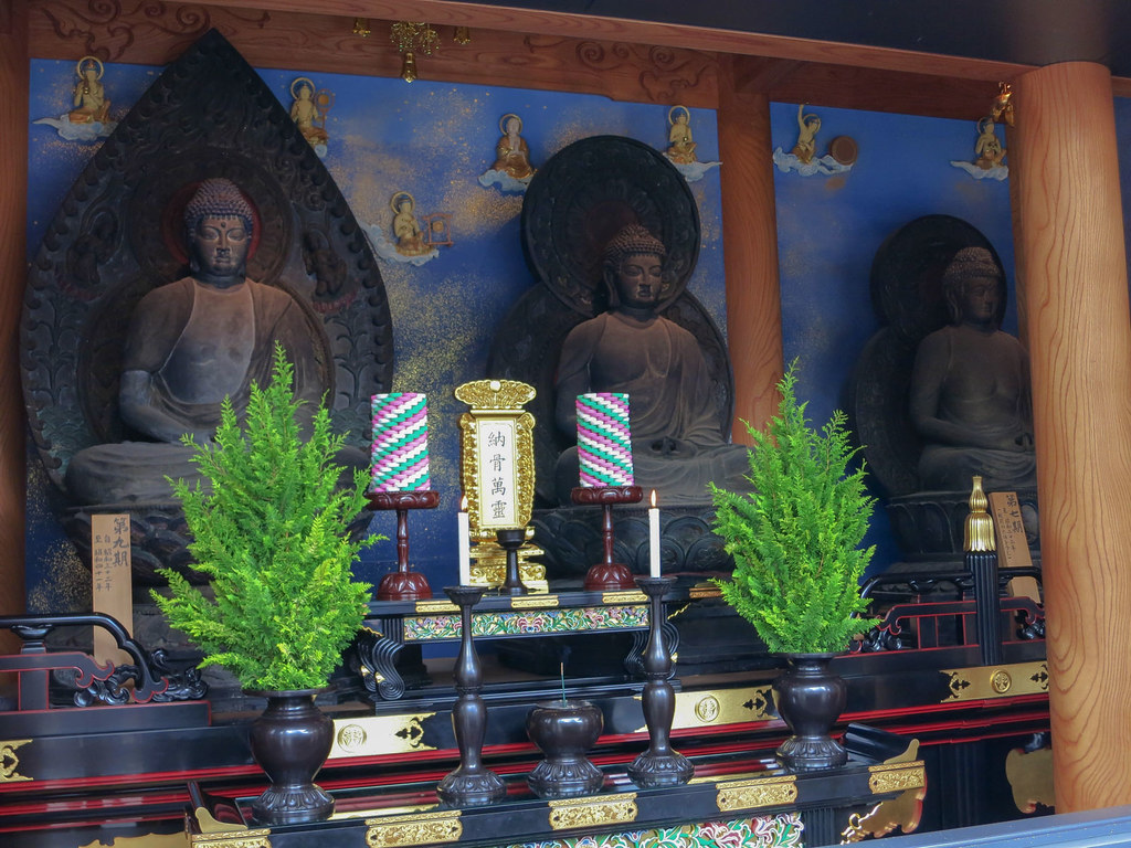 人骨で出来た仏像