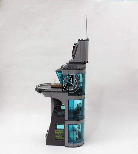 LEGO Marvel Super Heroes Avengers: Age of Ultron Attack on Avengers Tower (76038)