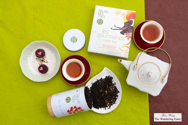 Palais des Thés - Canister of Thé des Amants & Les Gourmandes Sweet Teas Set