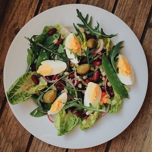 Quite good high protein #vegetarian lunch. Recipe from @BlueberryNutrit.